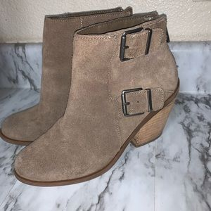 Suede lucky brand taupe booties